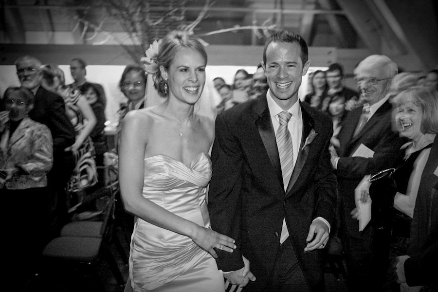 bride-groom-walking-oregon-photography