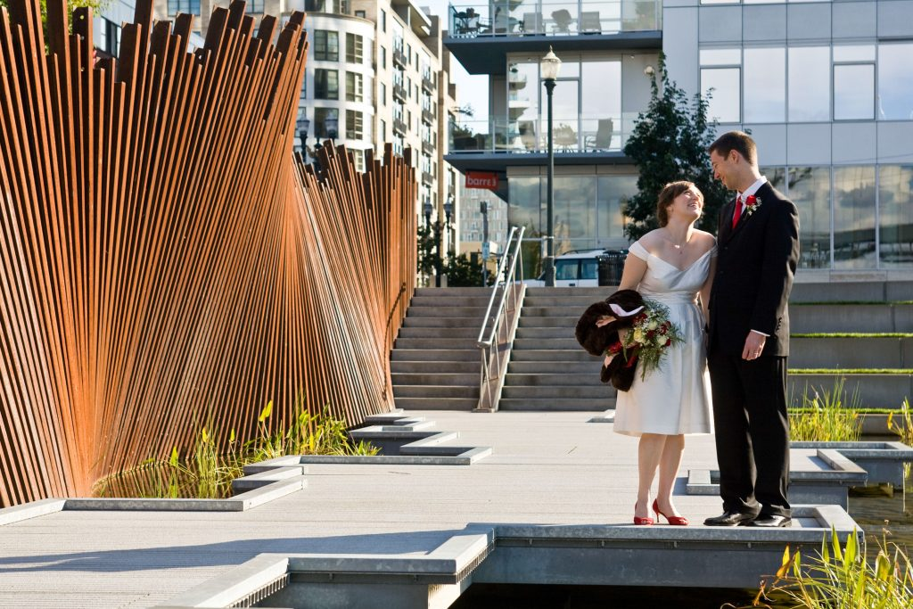 downtown-portland-or-wedding-bride-groom