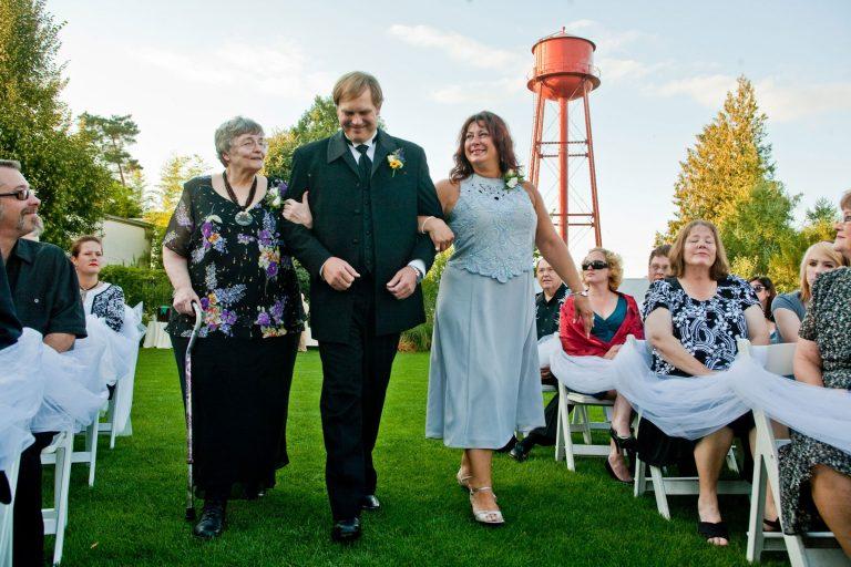 mcmenamins-edgefield-wedding-groom-aisle
