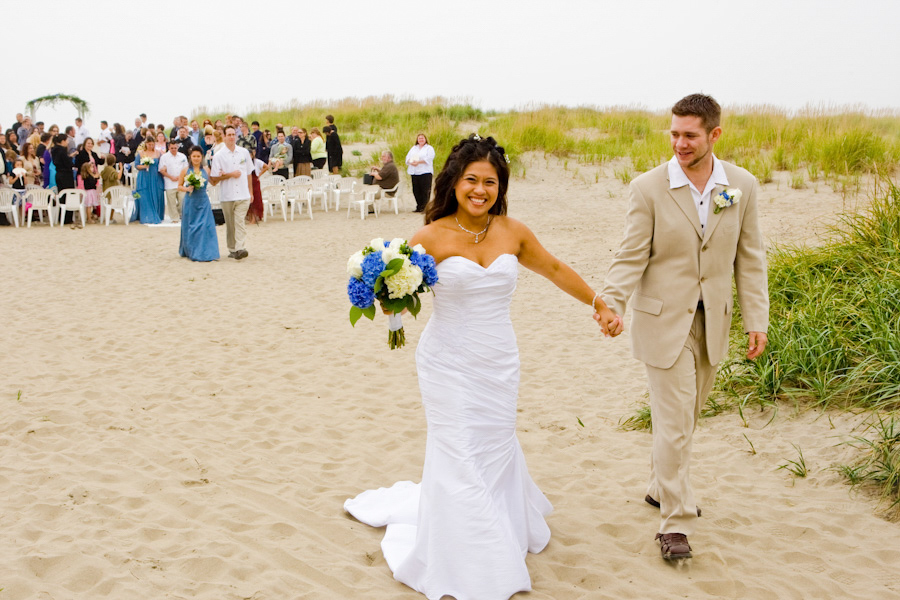 Oregon Coast Wedding bride groom ceremony