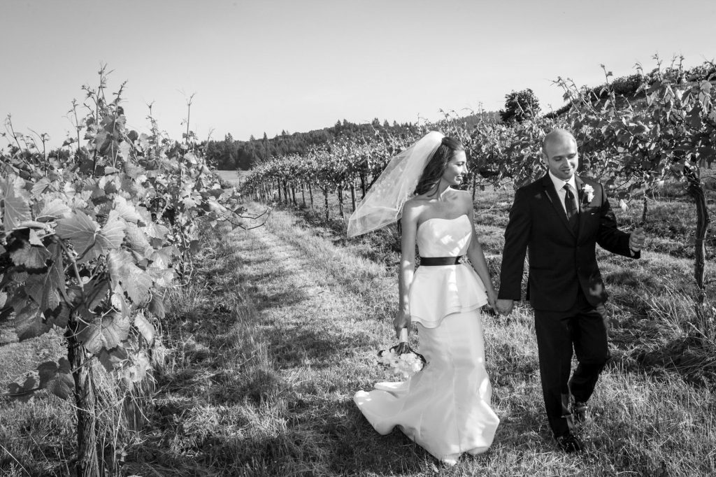 portland-vineyard-wedding-bride-groom