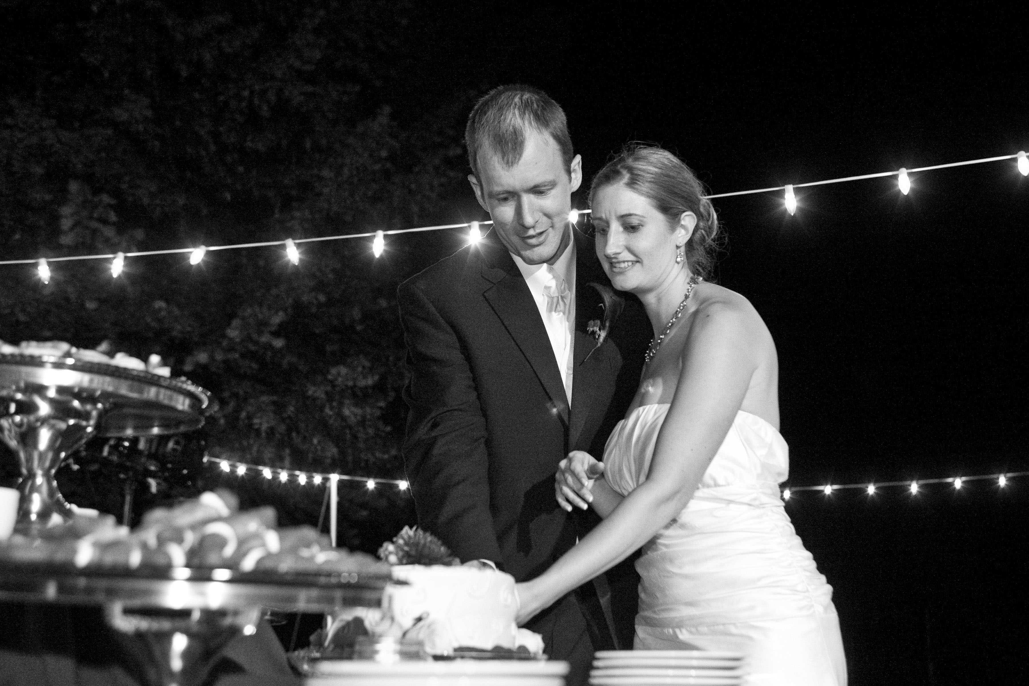 portland-wedding-cake-cutting