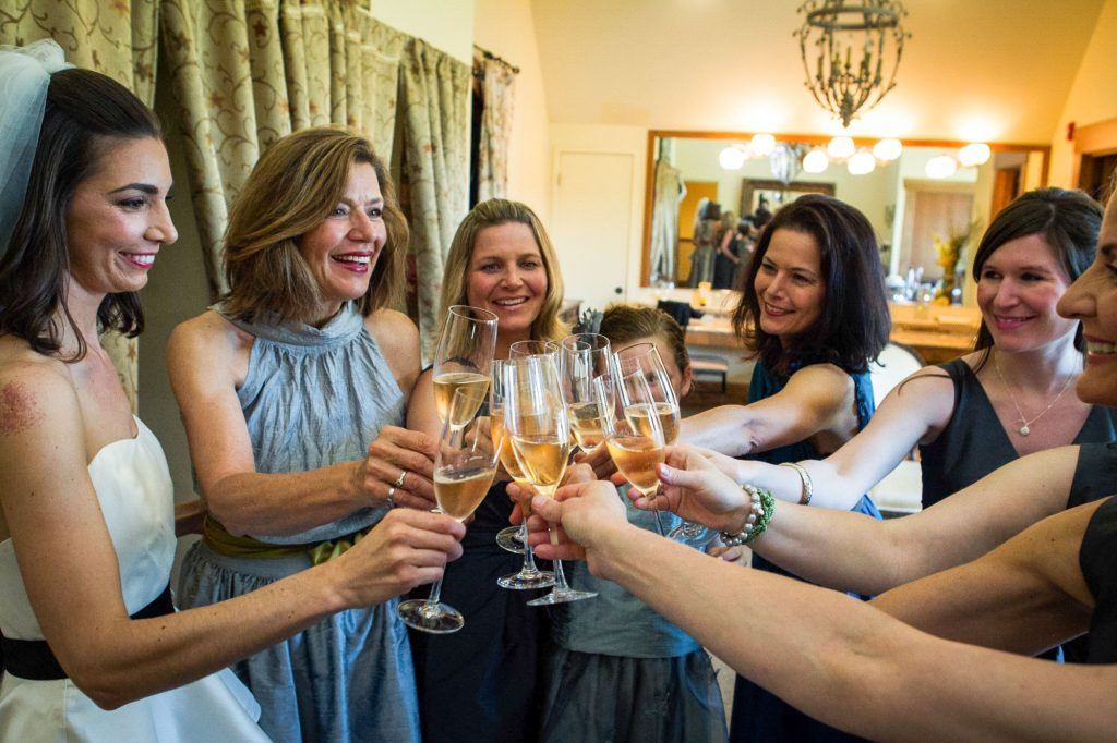 portland-wedding-toast-bridesmaids