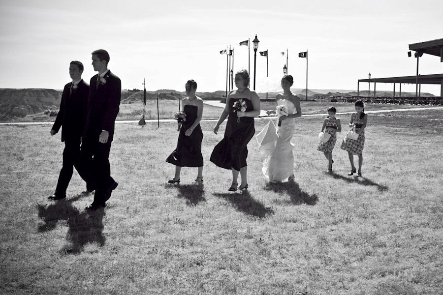 outdoor-wedding-procession-oregon