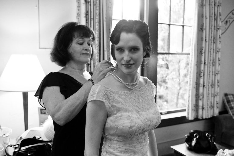 mcmenamins-edgefield-wedding-bride-getting-ready
