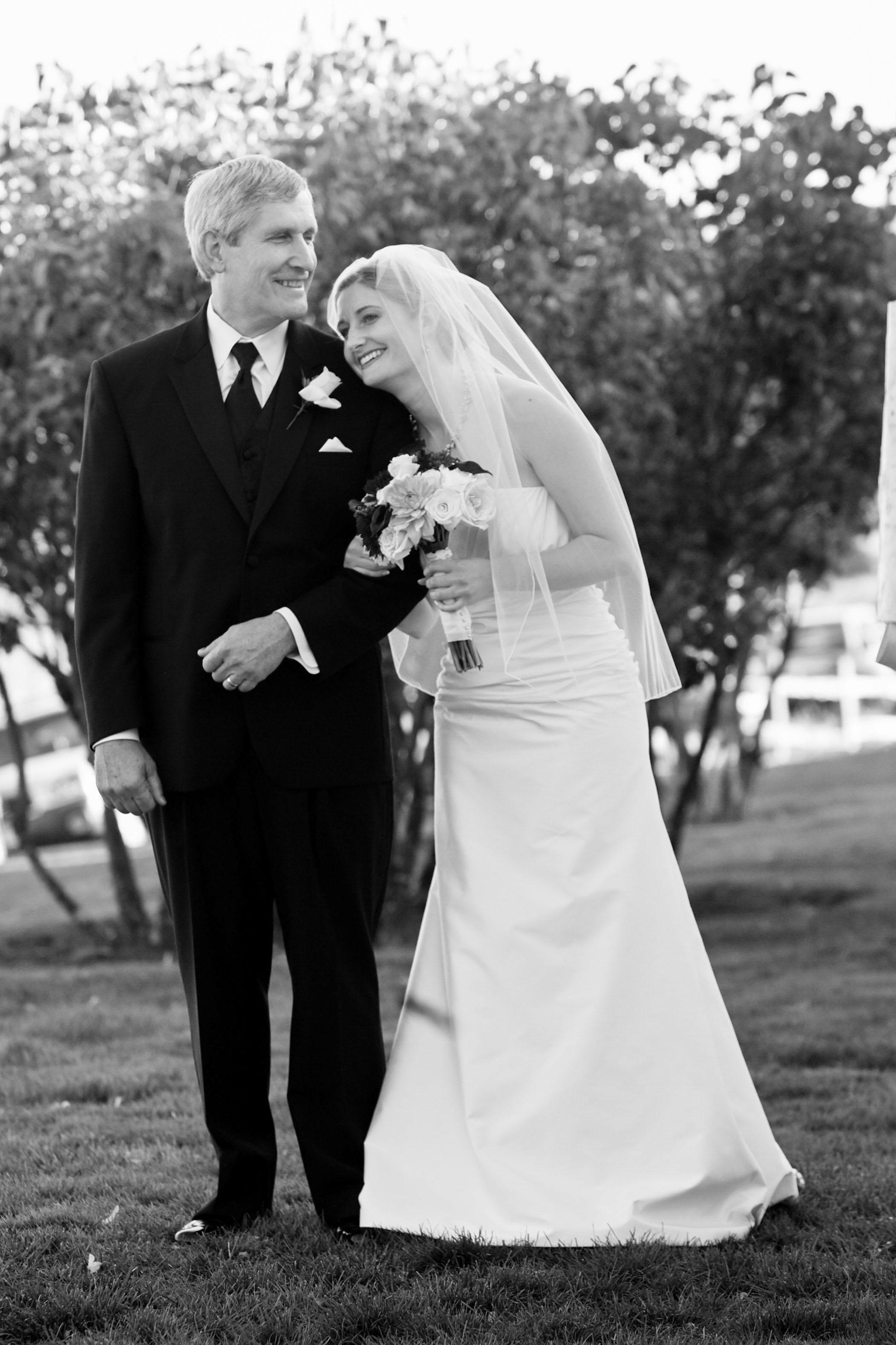 portland-wedding-bride-father